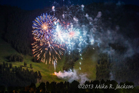 Photographing Fireworks :  Tips and Suggestions.